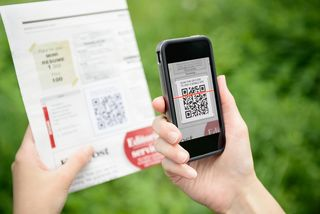 Scanning-Advertising-With-Qr-C