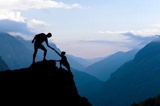 Teamwork-Climbing-Help
